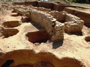 Археологическите разкопки на нос Св. Атанас разкриха над 120 ритуални ями